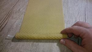 rolování voskové mezistěny